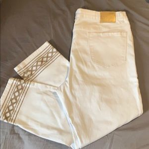 Skinny crop white jeans with stitching detail